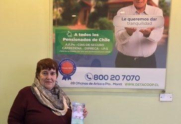 Detacoop entregó su primer crédito a pensionada de Compañías de Seguros